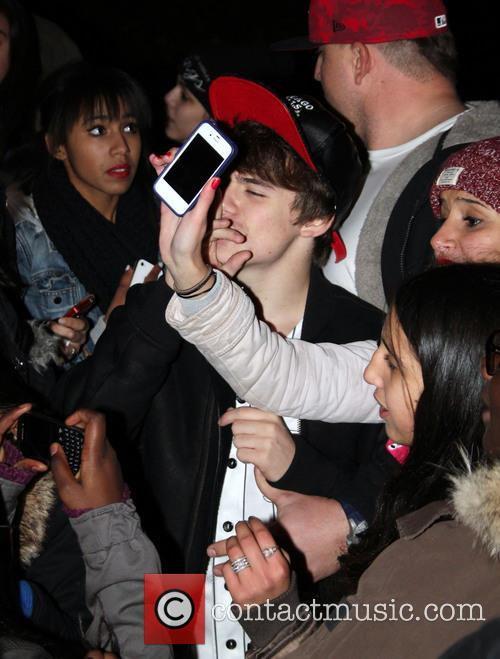 Christian Beadles Mobbed By Fans In Paris
