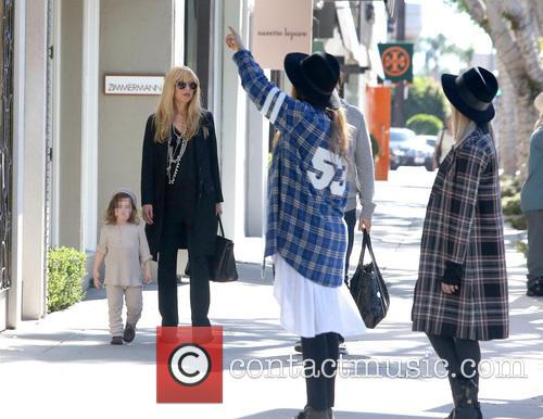 Pregnant Rachel Zoe out with family