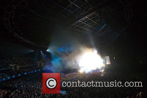 simple minds performing in concert 3973201