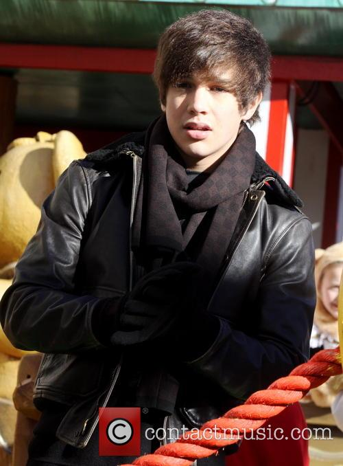 austin mahone 2013 macys thanksgiving day parade 3974526