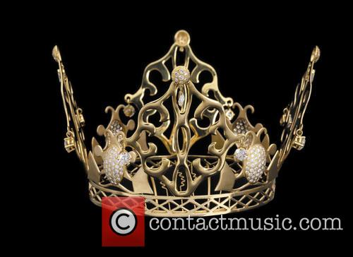 The 'fairytale' gold and diamond crown tiara