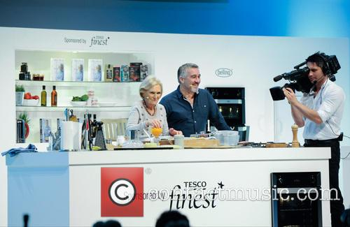Paul Hollywood and Mary Berry 14