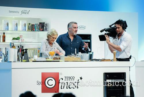 Paul Hollywood and Mary Berry 21