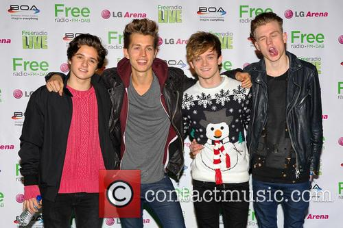 The Vamps, James Mcvey, Connor Ball, Tristan Evans and Bradley Simpson 3