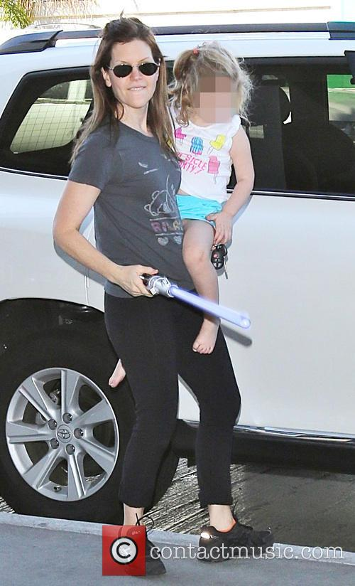 Lisa Loeb with her family at LAX airport