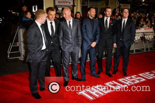 Paul Scholes, Phil Neville, Nicky Butt, Ryan Giggs, David Beckham and Gary Neville 6