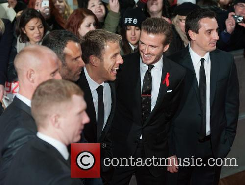 Phil Neville, Ryan Giggs, Nicky Butt, Paul Scholes, David Beckham and Gary Neville 3