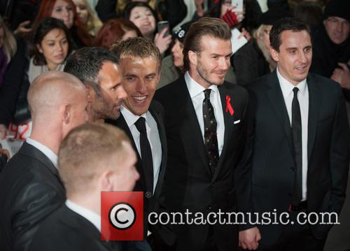 Phil Neville, Ryan Giggs, Nicky Butt, Paul Scholes, David Beckham and Gary Neville 4
