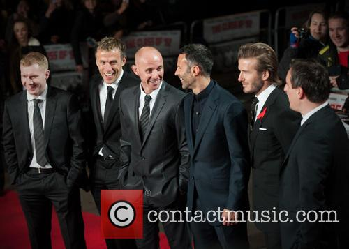 Phil Neville, Ryan Giggs, Nicky Butt, Paul Scholes, David Beckham and Gary Neville 5