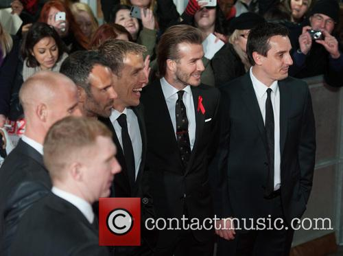 Phil Neville, Ryan Giggs, Nicky Butt, Paul Scholes, David Beckham and Gary Neville 7