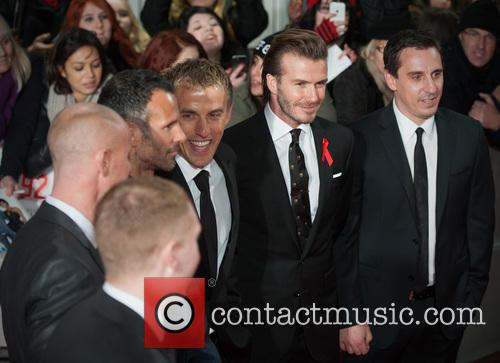 Phil Neville, Ryan Giggs, Nicky Butt, Paul Scholes, David Beckham and Gary Neville 9