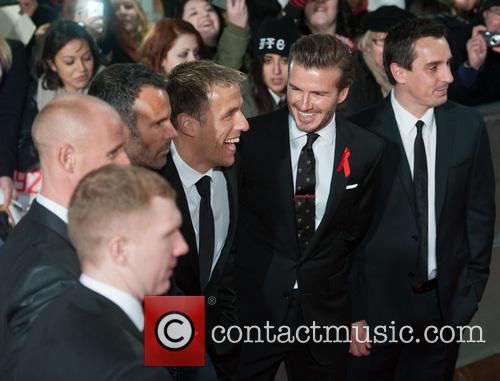 Phil Neville, Ryan Giggs, Nicky Butt, Paul Scholes, David Beckham and Gary Neville 10