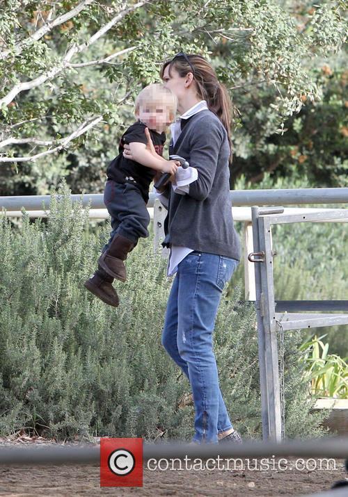 Jennifer Garner and son see a horse