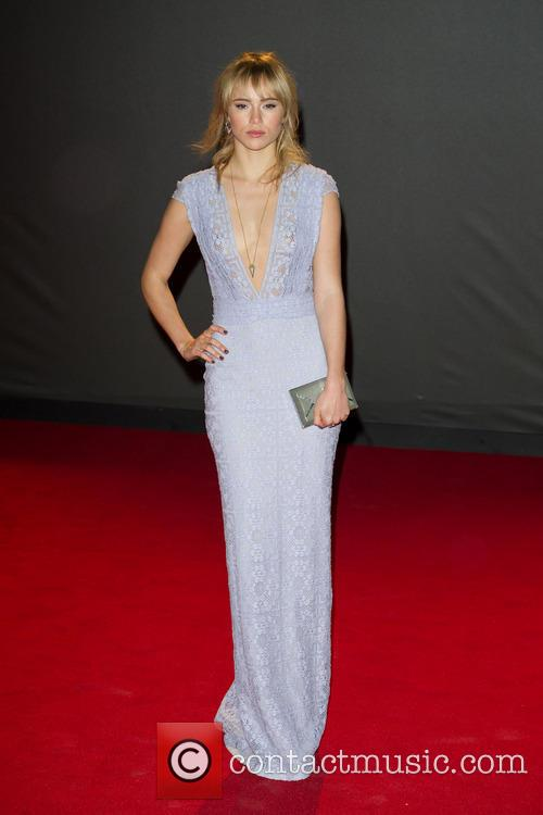 Suki Waterhouse 4