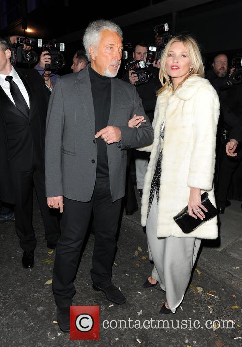 Kate Moss and Tom Jones 10
