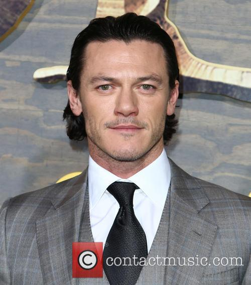 luke evans los angeles premiere of the 3978832