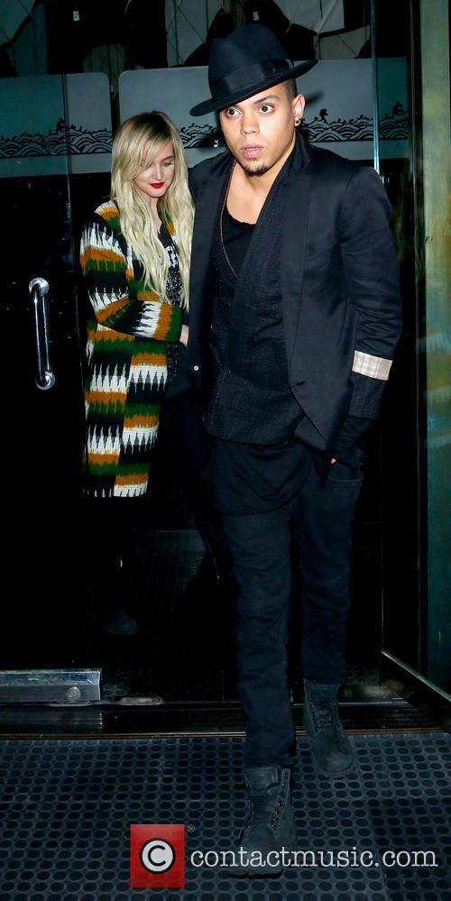 Ashlee Simpson and Evan Ross 1