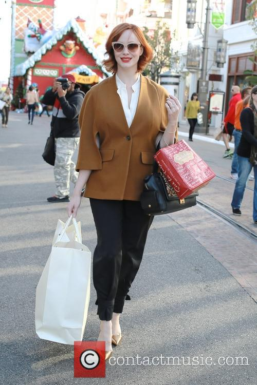 christina hendricks christina hendricks christmas shopping 3981361