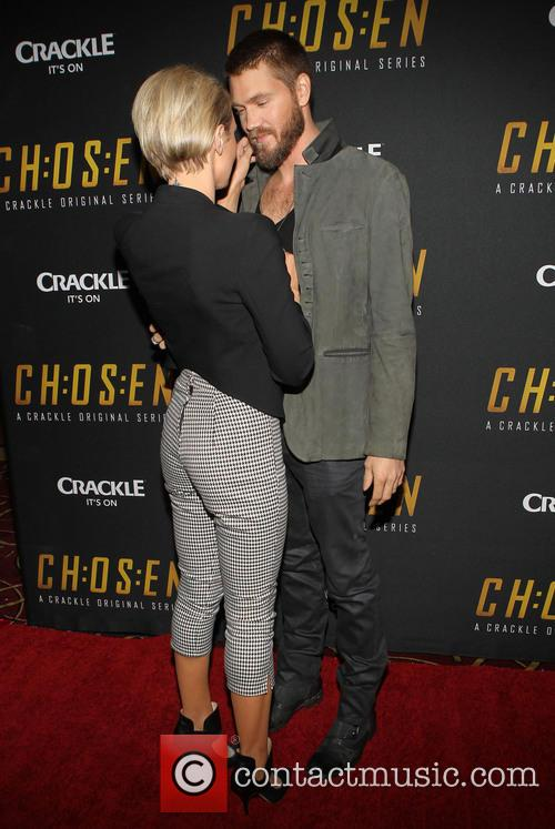 Nicky Whelan and Chad Michael Murray 1