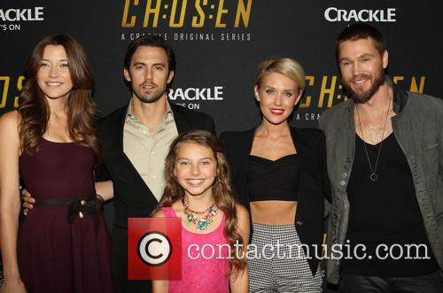Sarah Roemer, Milo Ventimiglia, Caitlin Carmichael, Nicky Whelan and Chad Michael Murray 6