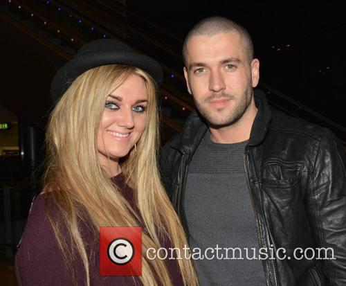 Shayne Ward touches down at Dublin Airport