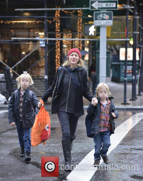 Naomi Watts takes her sons to school