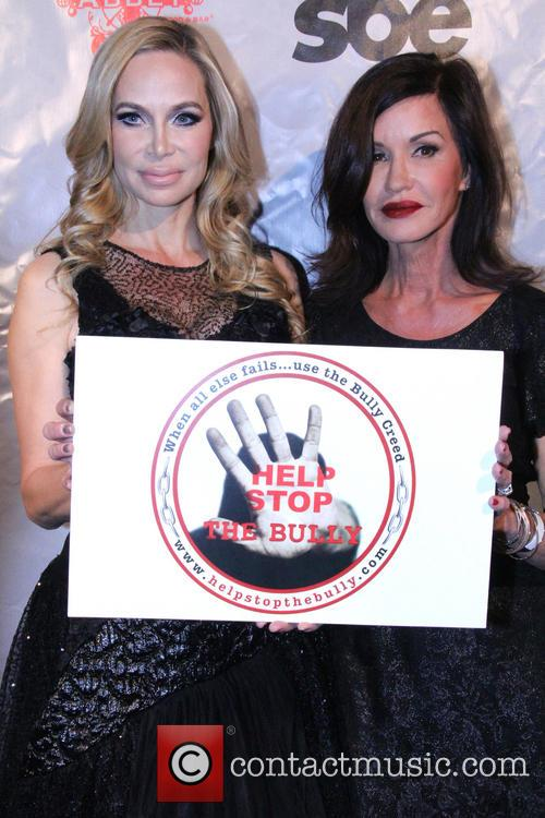 'Help Stop The Bully' Pay It Forward Red...