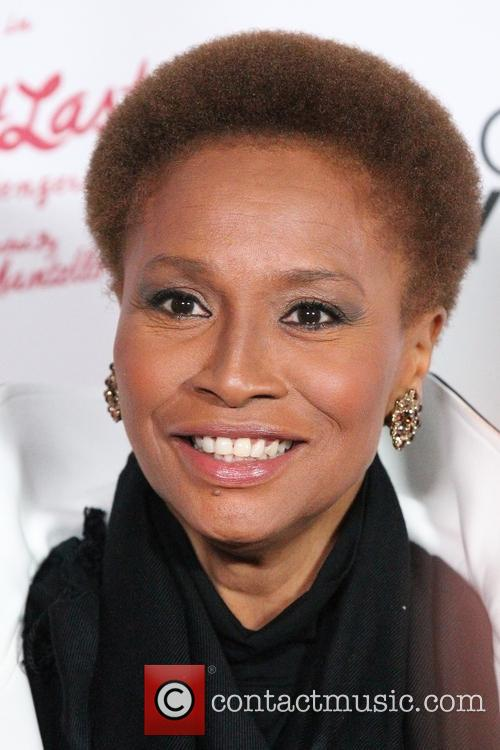 jenifer lewis bette midler one woman broadway play 3984756