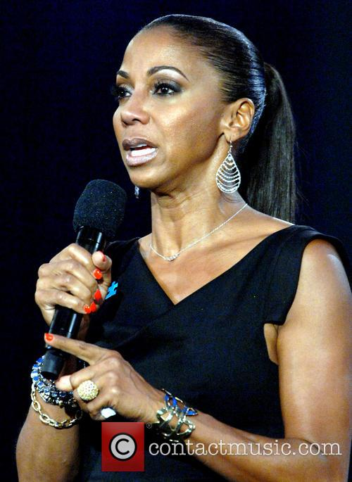 Holly Robinson-peete 3
