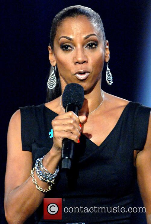 Holly Robinson-peete 5