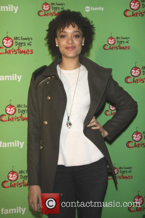 britne oldford 25 days of christmas winter 3988953