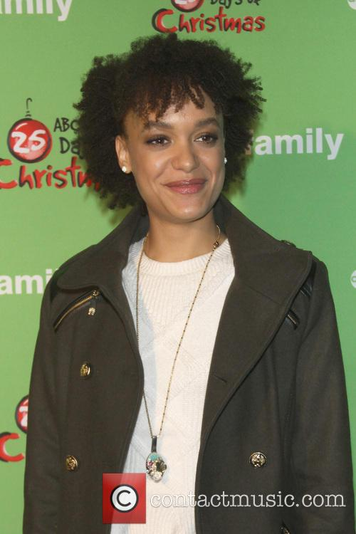 britne oldford 25 days of christmas winter 3988980