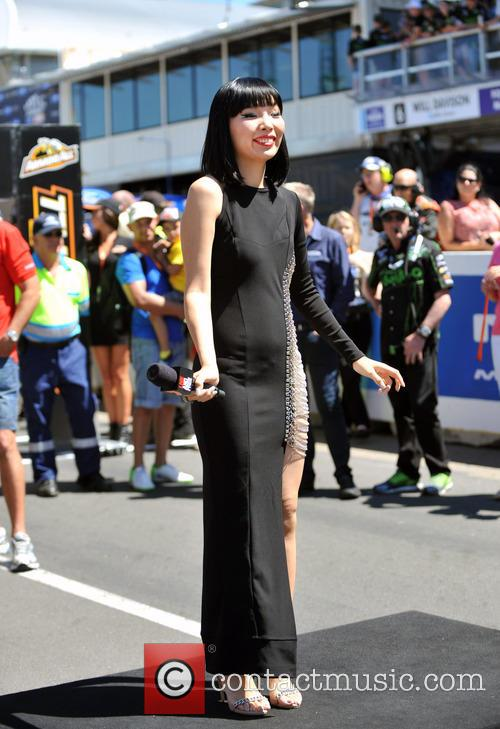 Dami Im Sings Live At V8 Supercars Finale