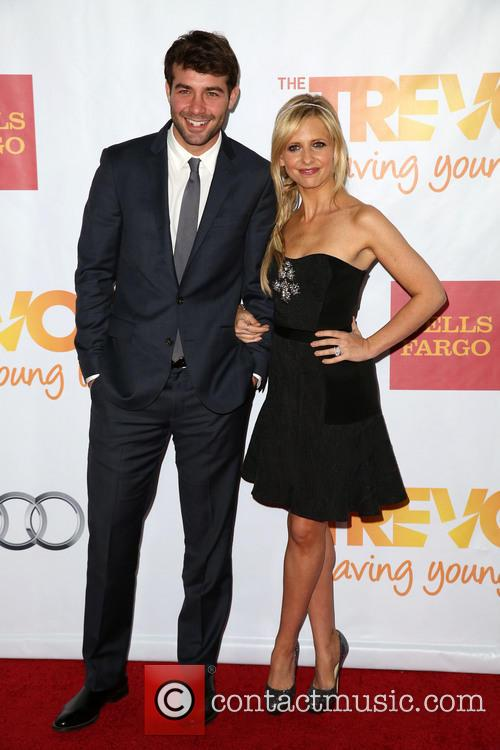 James Wolk and Sarah Michelle Gellar 4
