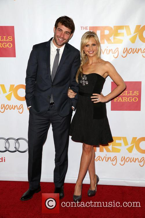 James Wolk and Sarah Michelle Gellar 6