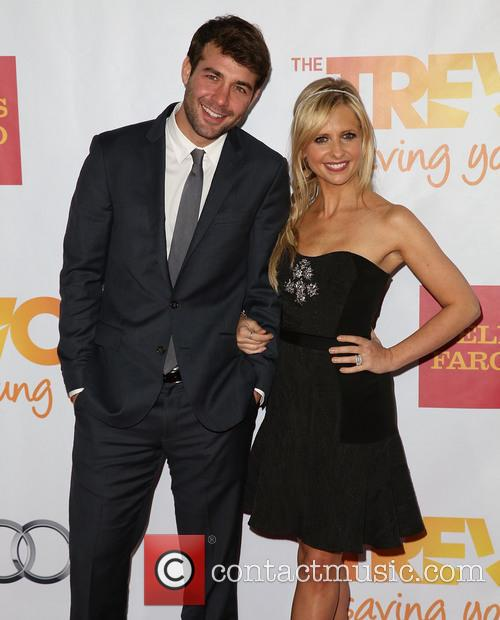 Sarah Michelle Gellar and James Wolk 7