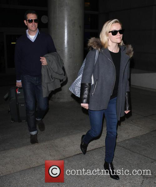 reese witherspoon reese witherspoon at lax 3992299