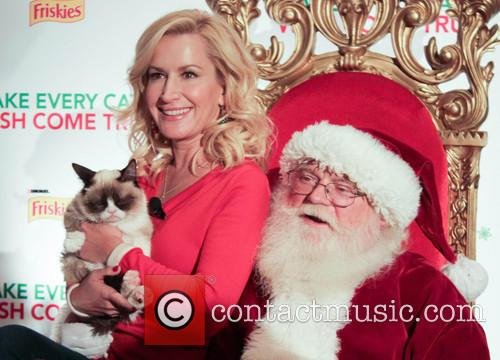 Angela Kinsey and Grumpy Cat 5