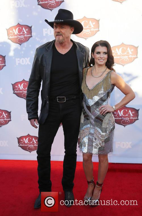 trace adkins danica patrick 2013 american country awards 3993126