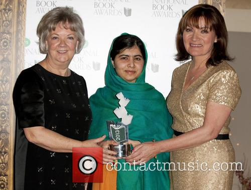 Malala Yousafzai and Lorraine Kelly 4