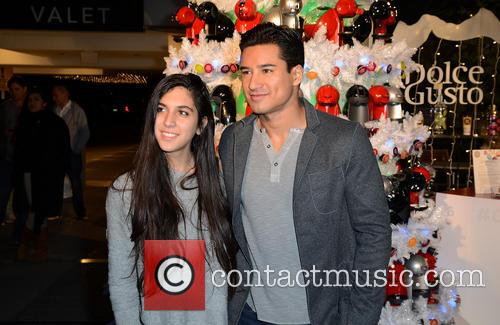 Mario Lopez hosts holiday pop-up