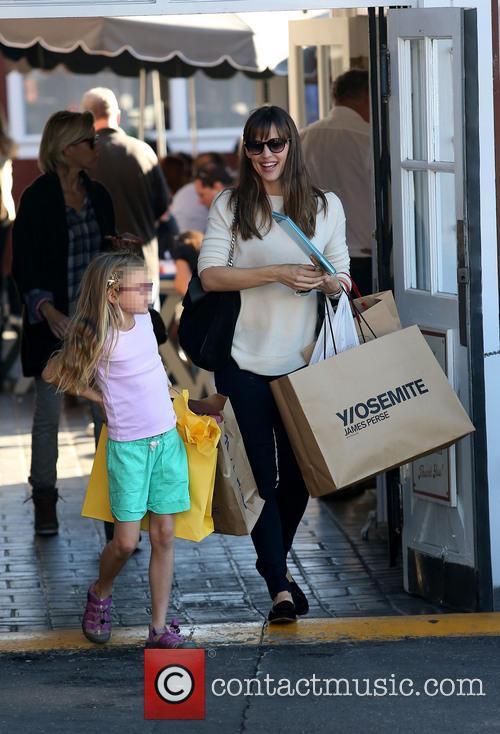Jennifer Garner and Violet Affleck 8