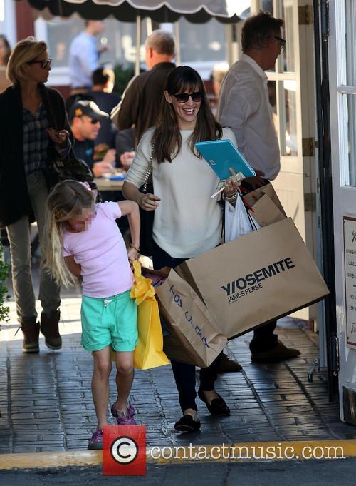 Jennifer Garner and Violet Affleck 10