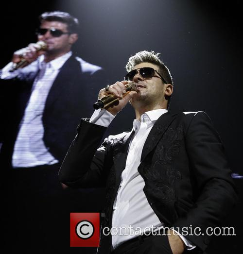 robin thicke kiss 108 s jingle ball 3999116