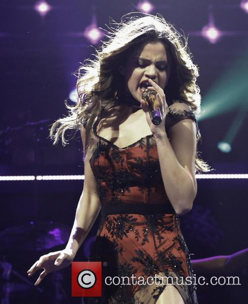 Selena Gomez, KISS 108 Jingle Ball