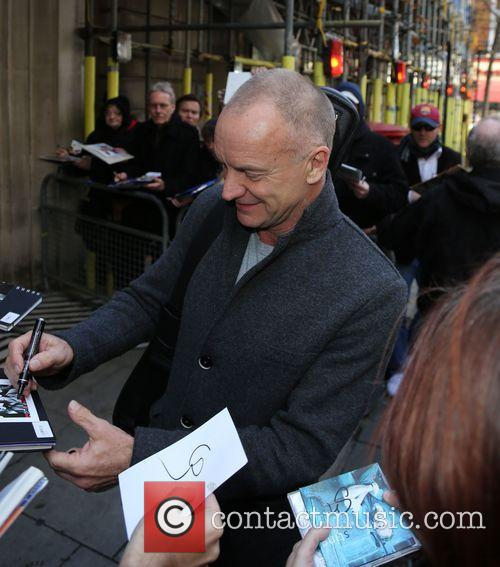 Sting stops to sign autographs for fans as...