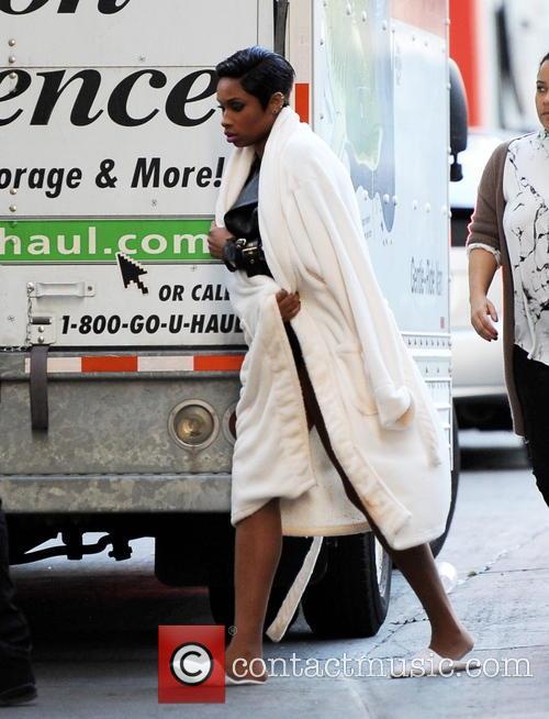 Jennifer Hudson Shows Off Her Long Legs