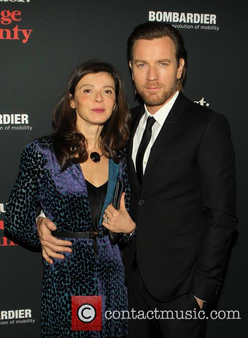 Ewan McGregor and Eve Mavrakis 6