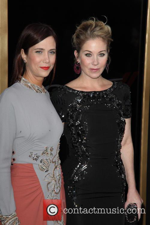 Kristen Wiig and Christina Applegate 3