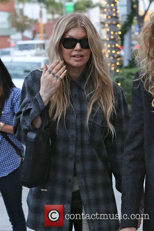fergie duhamel fergie goes christmas shopping 4001896
